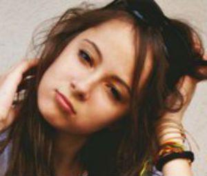 UK Female Strangers Talk to UK Strangers on Omegle